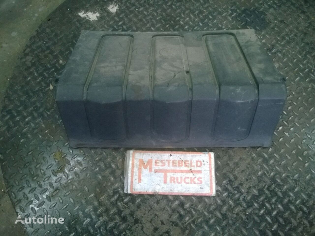 Accubakdeksel spare parts for VOLVO FL240 truck