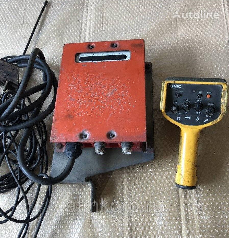 Radio pult s priemnikom Komplekt priemoperedatchika suspension remote control for UNIC loader crane