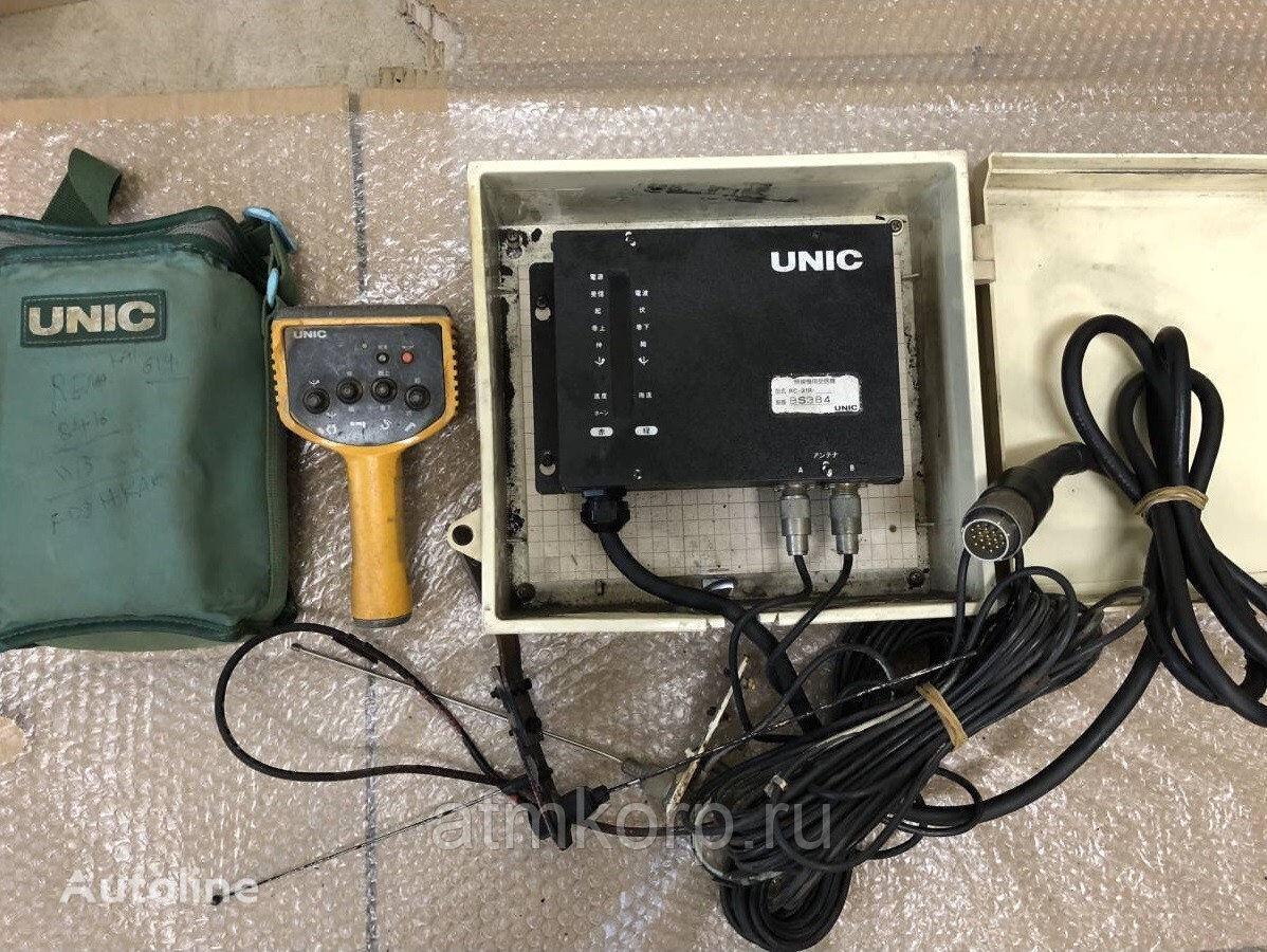 UNIC Radio pult dlya KMU s priemnikom b\u Komplekt priemoperedatchika suspension remote control for loader crane