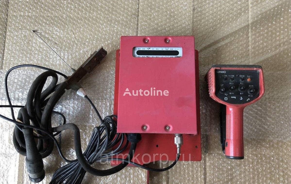 UNIC Radio pult dlya KMU s priemnikom Komplekt priemoperedatchika radi suspension remote control for loader crane