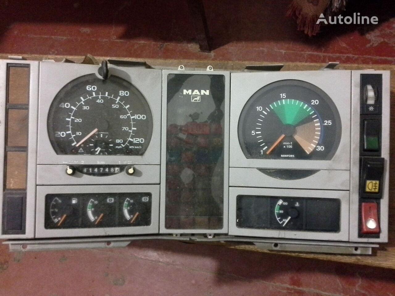 MAN Spidometr Tahometr originalni zapchasti kabini tachograph for MAN  L2000 Po zapchastyam truck