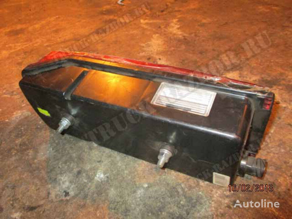 tail light for tractor unit