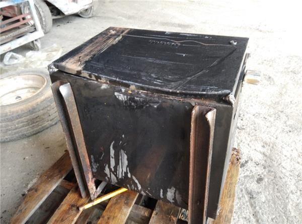 Caja Herramientas DAF Serie LF45.XXX desde 06 tool box for DAF Serie LF45.XXX desde 06 tractor unit