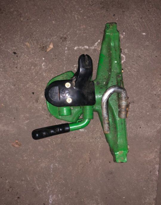 JOHN DEERE Rozstaw 390 tow bar for tractor