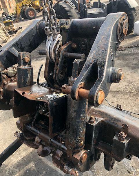 Tylny WOM Podnośnik tow bar for JCB Fastrack 155-65  tractor