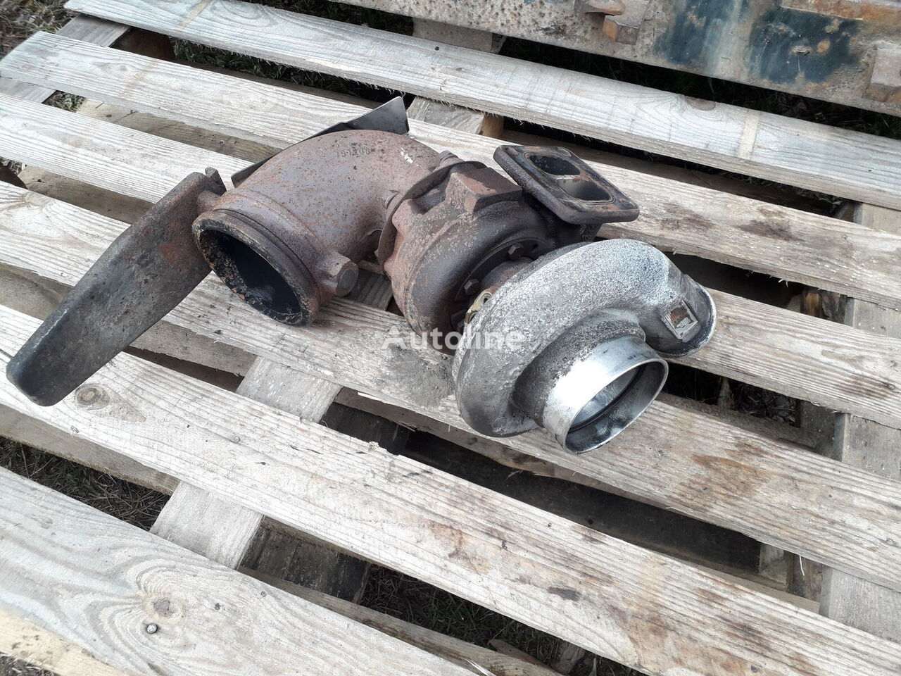 MAN HX 40 turbocharger for MAN 26.430 tractor unit