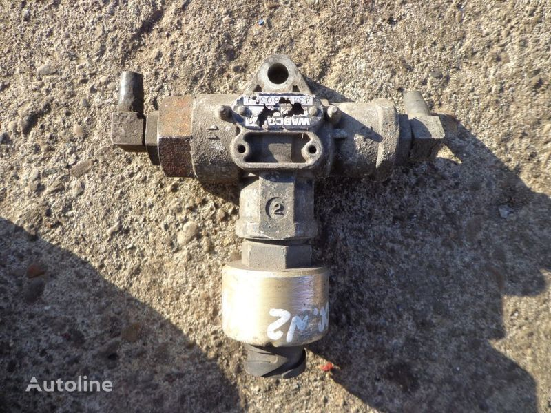 Wabco valve for DAF XF tractor unit