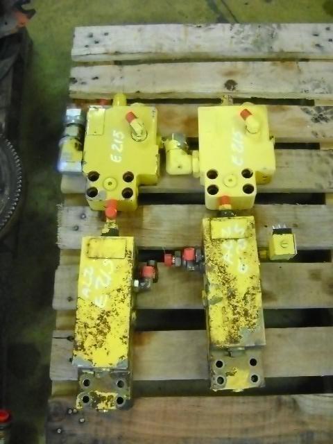 NEW HOLLAND Block Valve valve for NEW HOLLAND E 215 excavator