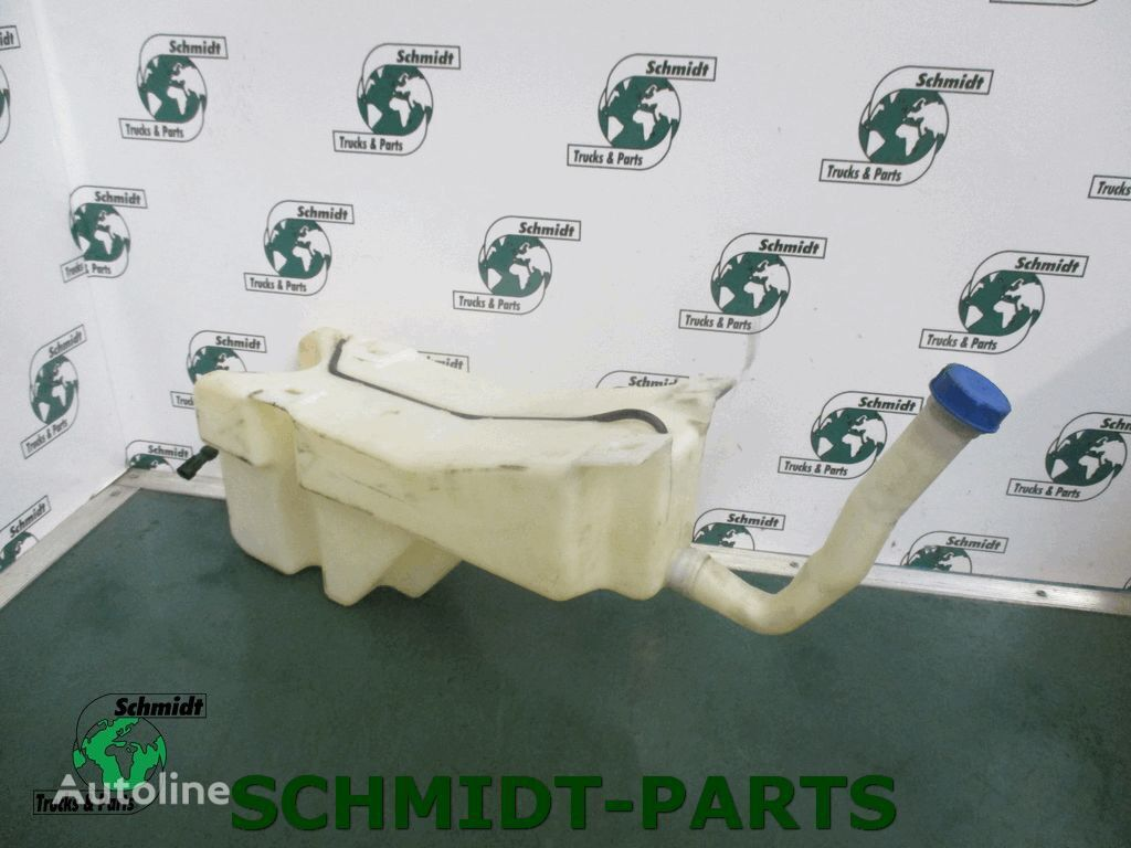 IVECO (504072999) washer fluid tank for tractor unit