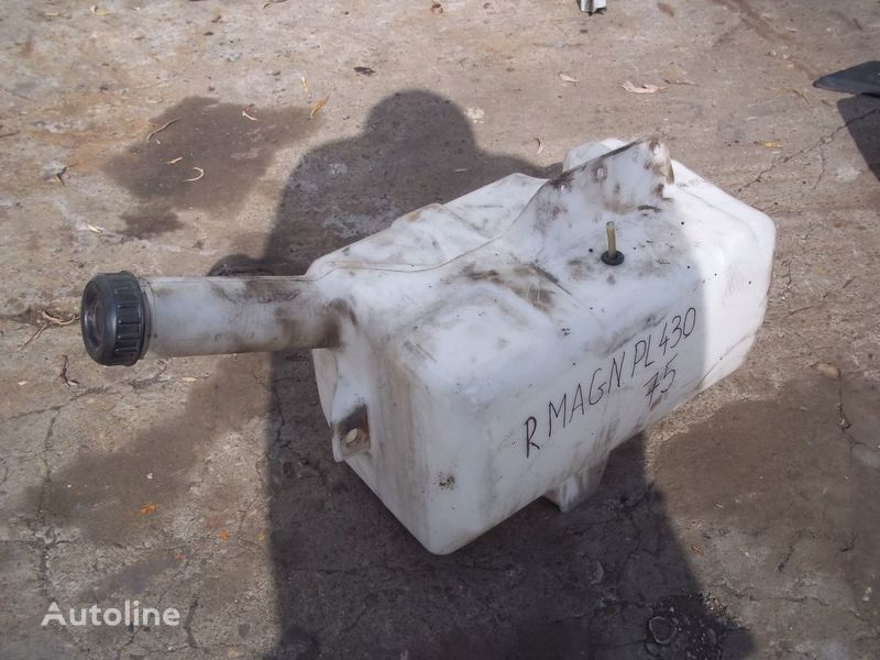 RENAULT washer fluid tank for RENAULT Magnum tractor unit