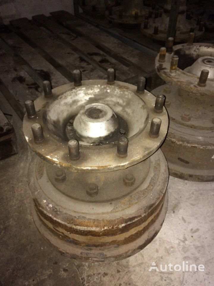 Trailor v sbore wheel hub for semi-trailer