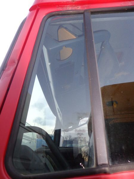 DAF nepodemnoe windowpane for DAF XF tractor unit