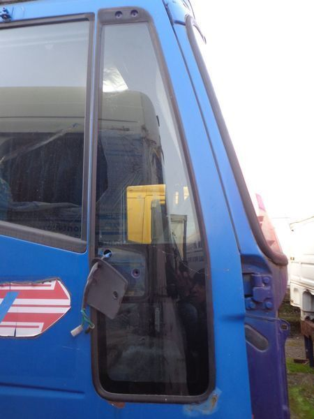 IVECO nepodemnoe windowpane for IVECO EuroStar, EuroTech tractor unit