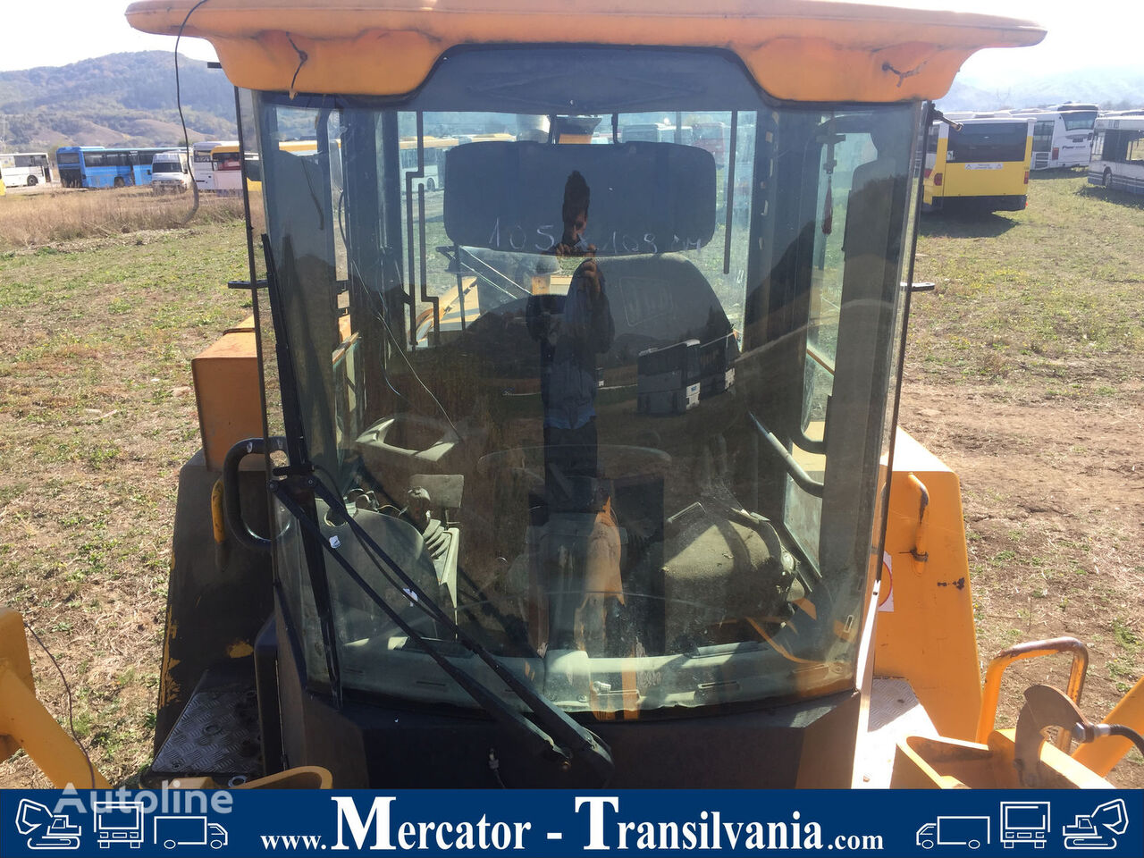windshield for JCB 456 wheel loader