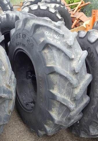 PNEU tractor tire