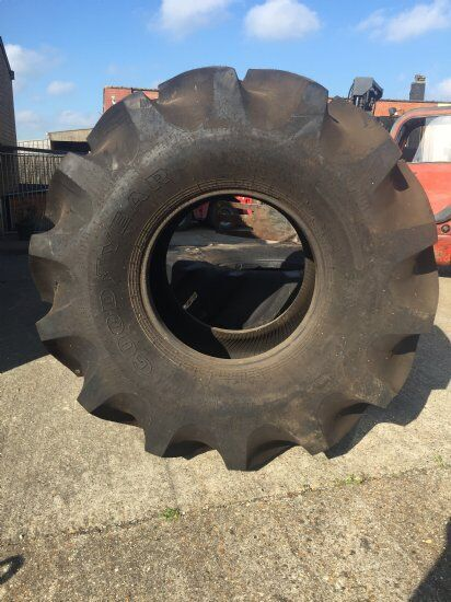 Goodyear 900/65 R 32.00 tractor tire
