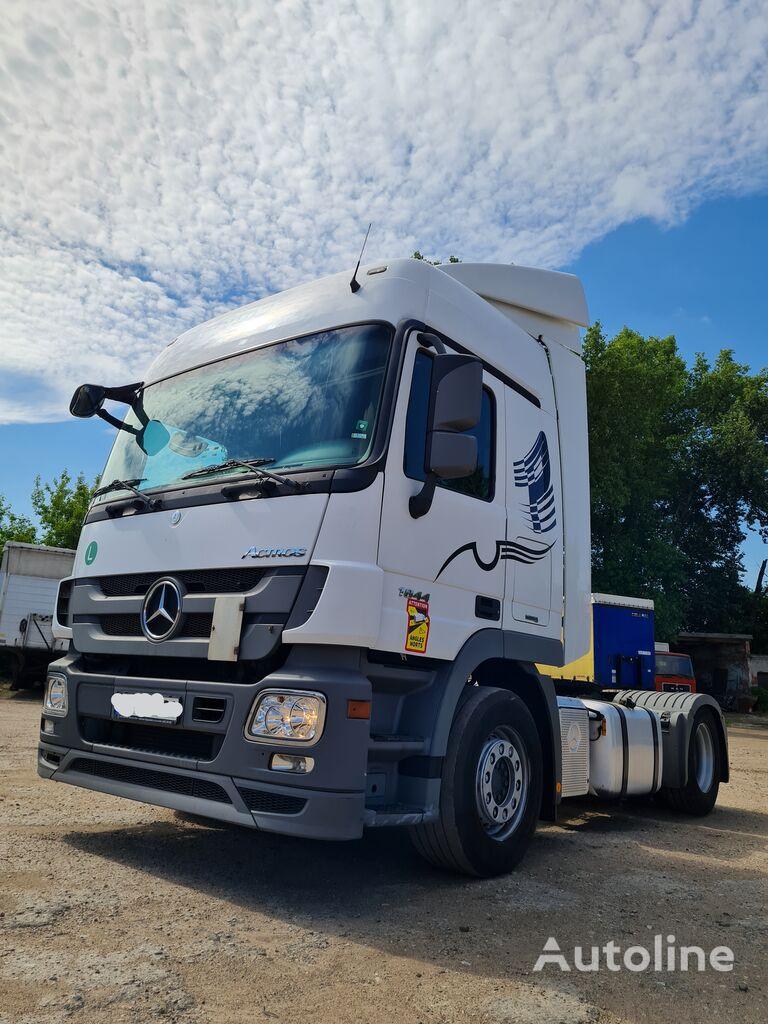 MERCEDES-BENZ 1844 (752 000 km). win no.: 321L8799 tractor unit