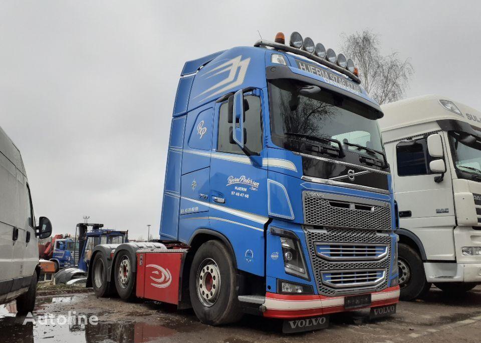 VOLVO FH16 750 6x2 pusher 620tkm EURO5 2013 FH4 oś skrętna 6X2/4 tractor unit