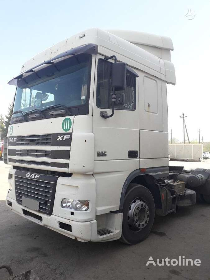 DAF XF 95  tractor unit for parts