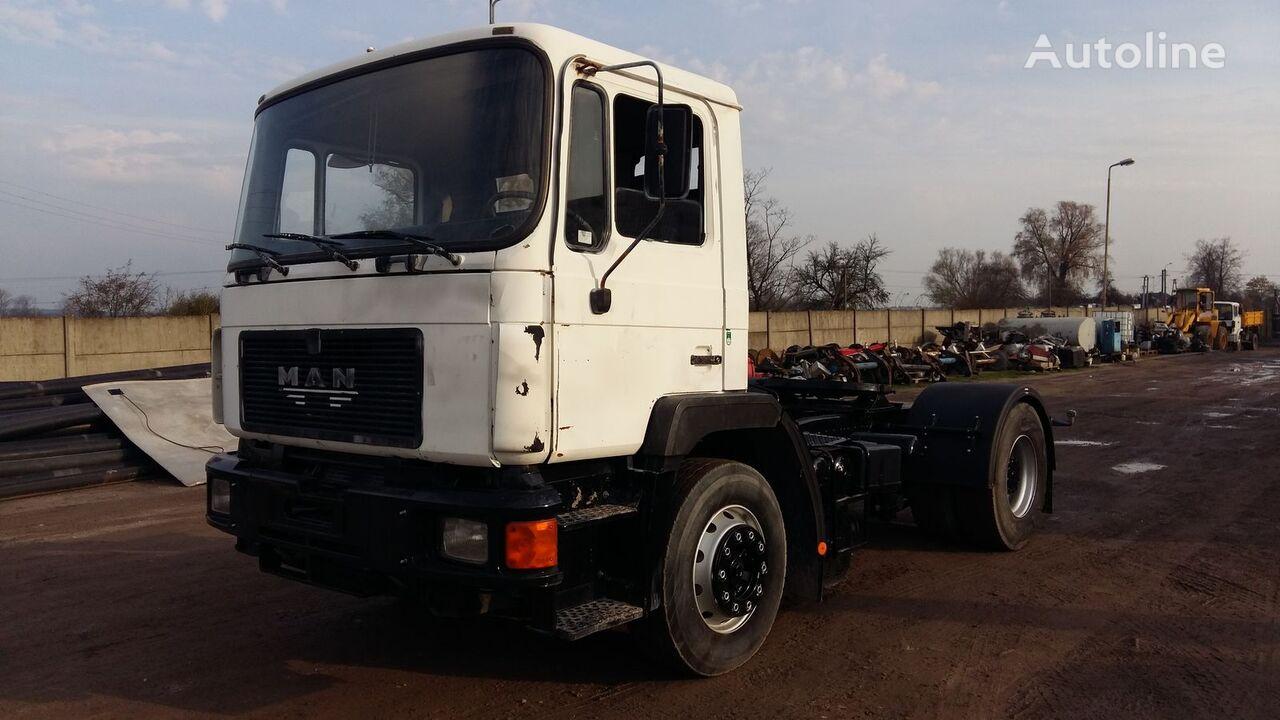 MAN 19.322 tractor unit