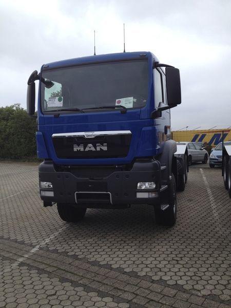 new MAN TGS 33.480, 6x6, EUR 3 tractor unit