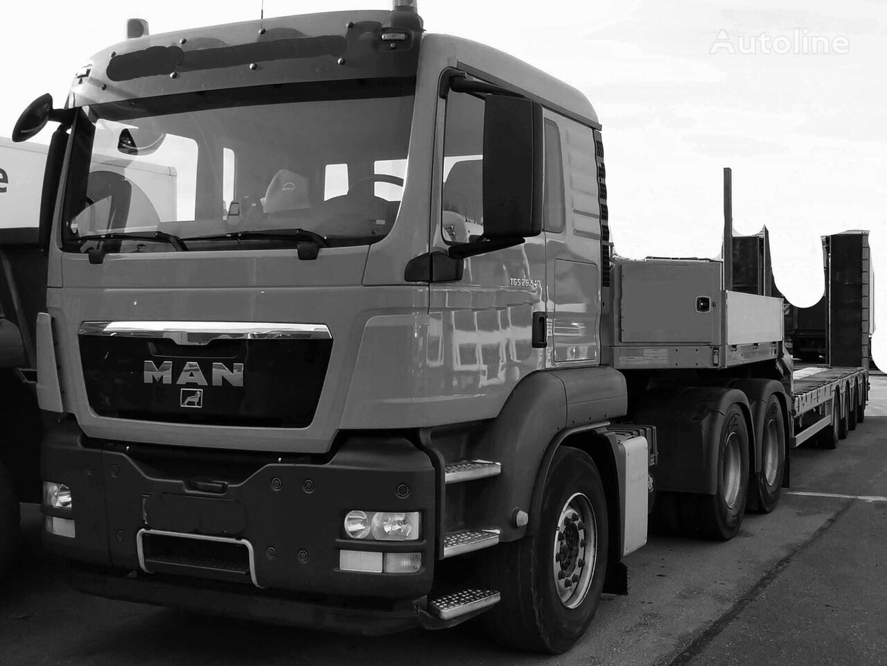 MAN TGS26.540 - 6x4 BLS  tractor unit + low bed semi-trailer