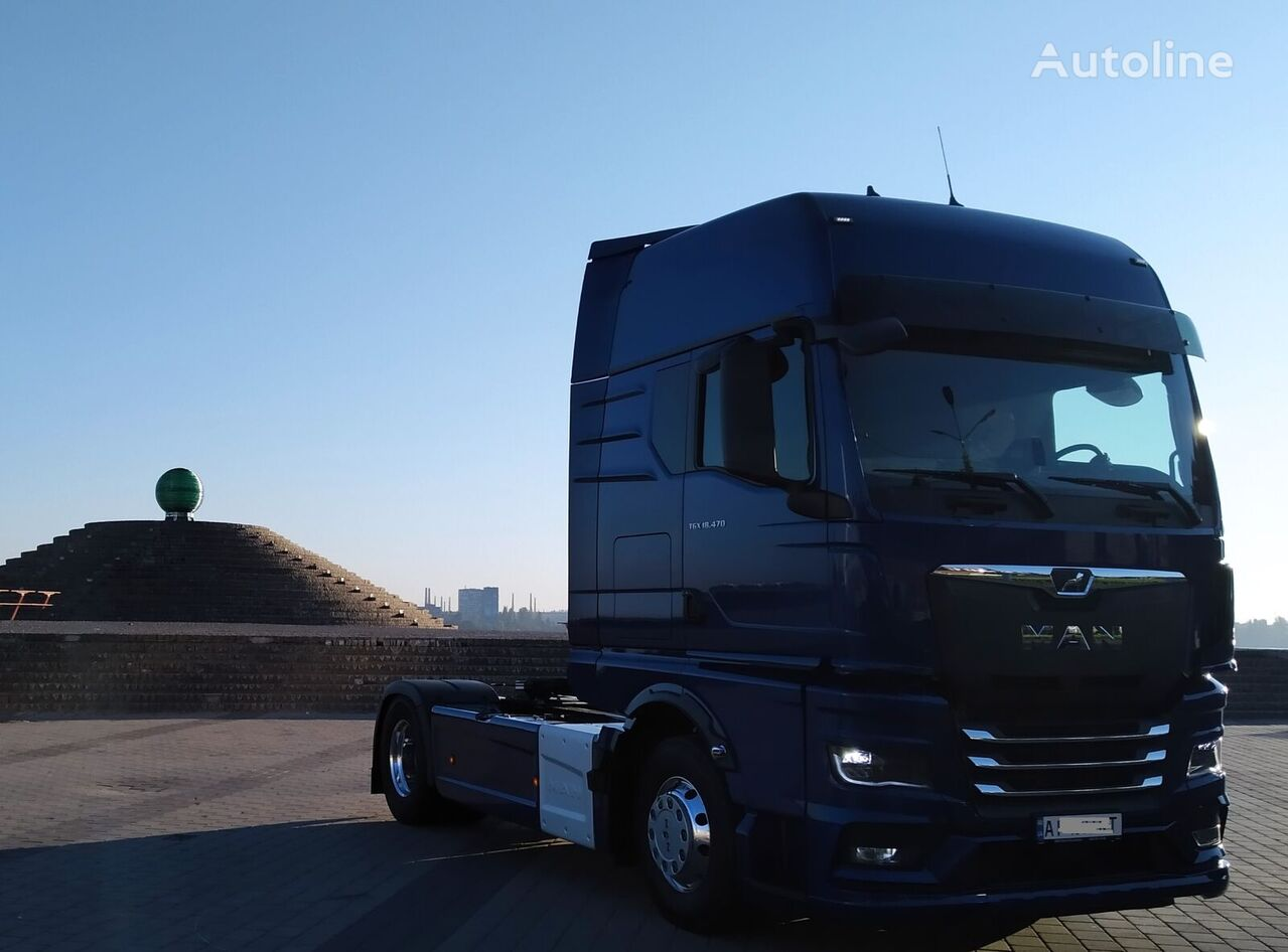 new MAN TGX 18.470 tractor unit