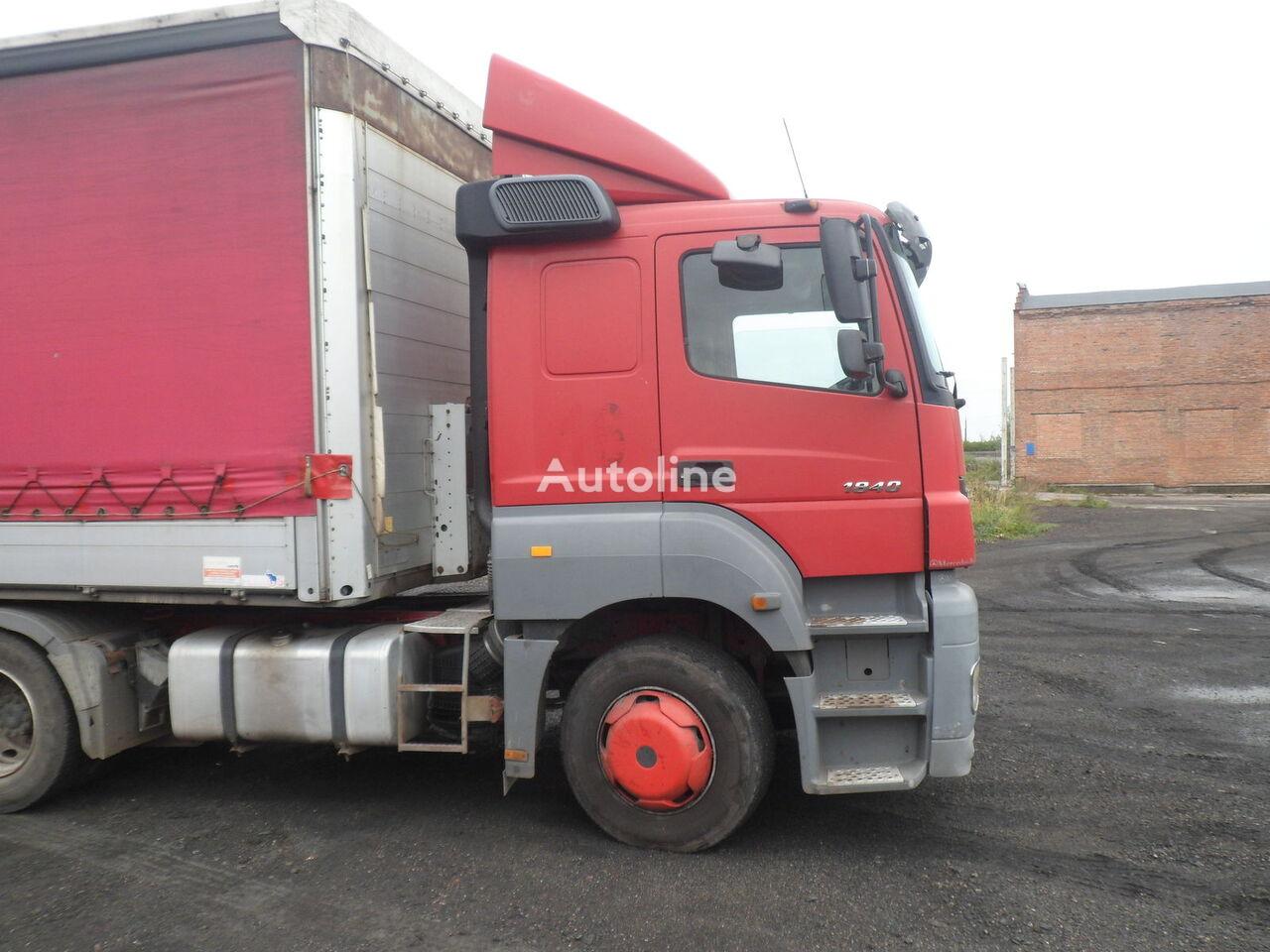 MERCEDES-BENZ tractor unit