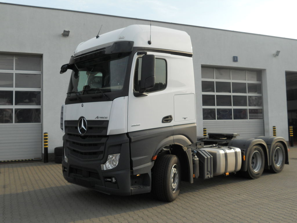 MERCEDES-BENZ Actros 2651 LS tractor units for sale, truck tractor, truck  tractor unit from Poland, buy tractor unit, MJ16221