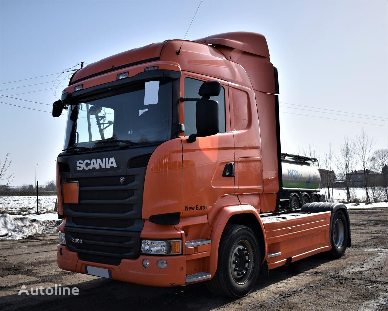 SCANIA R490 tractor unit