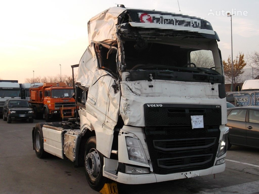 Damaged Volvo Fh 13 500 Tractor Units For Sale Truck Tractor Truck Tractor Unit From Italy Buy Tractor Unit Vu13919