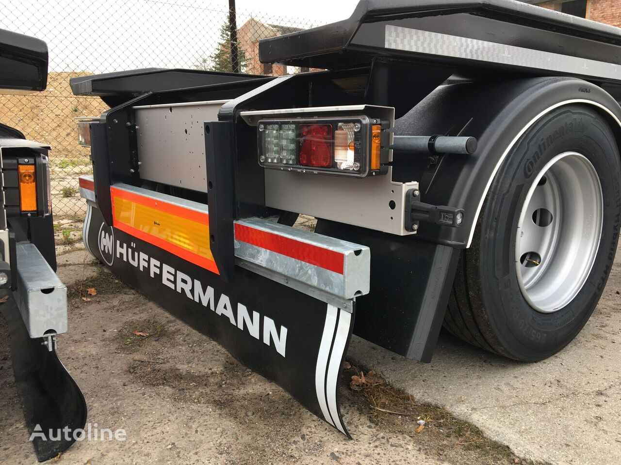 new HÜFFERMANN HAR 1870 container chassis trailer