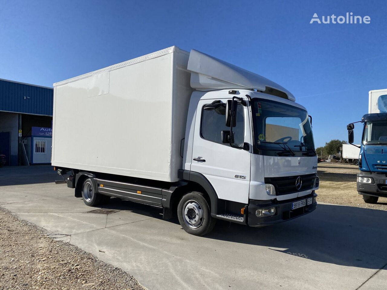 MERCEDES-BENZ 815  box truck