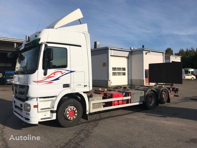 MERCEDES-BENZ Actros 2544L box truck
