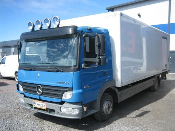 MERCEDES-BENZ Atego 815 box truck
