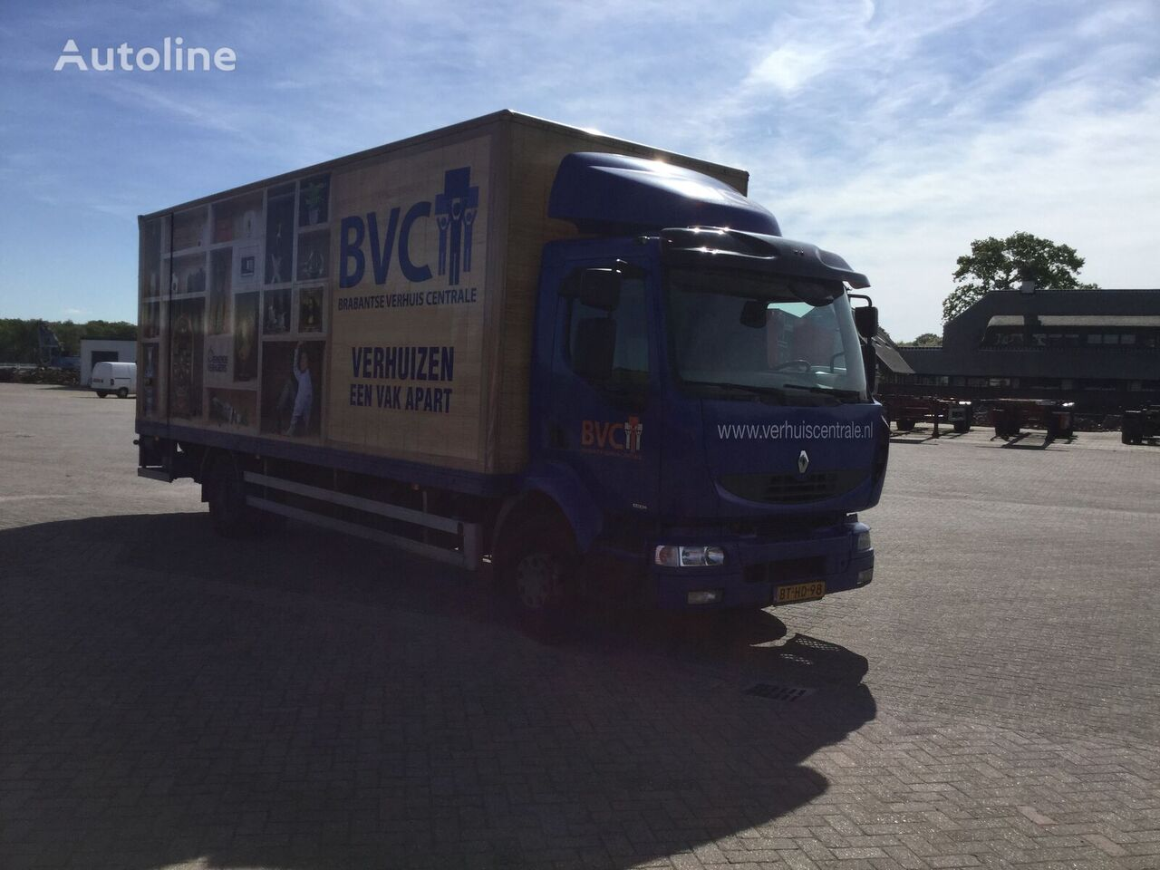 RENAULT Midlum 220 12l box truck