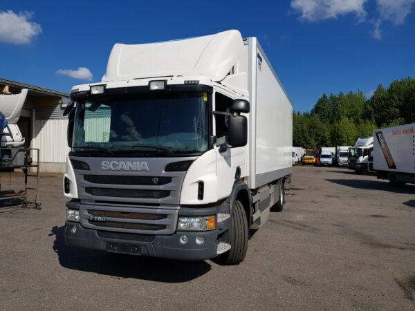 SCANIA P270 CNG box truck