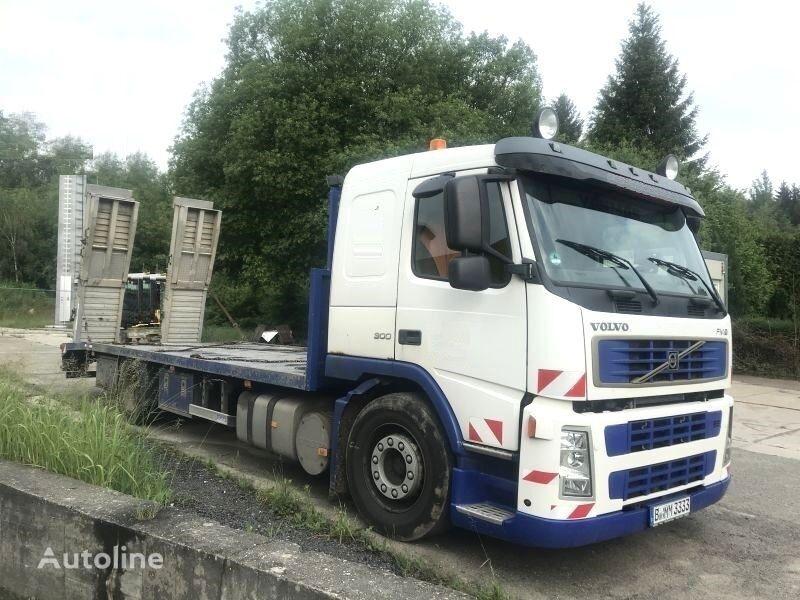 VOLVO FM9 300 car transporter