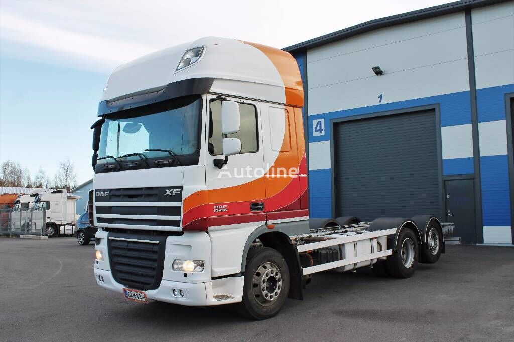 DAF XF105.460 chassis truck