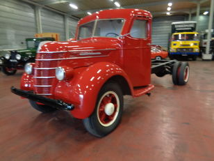 INTERNATIONAL 4 TONNER chassis truck