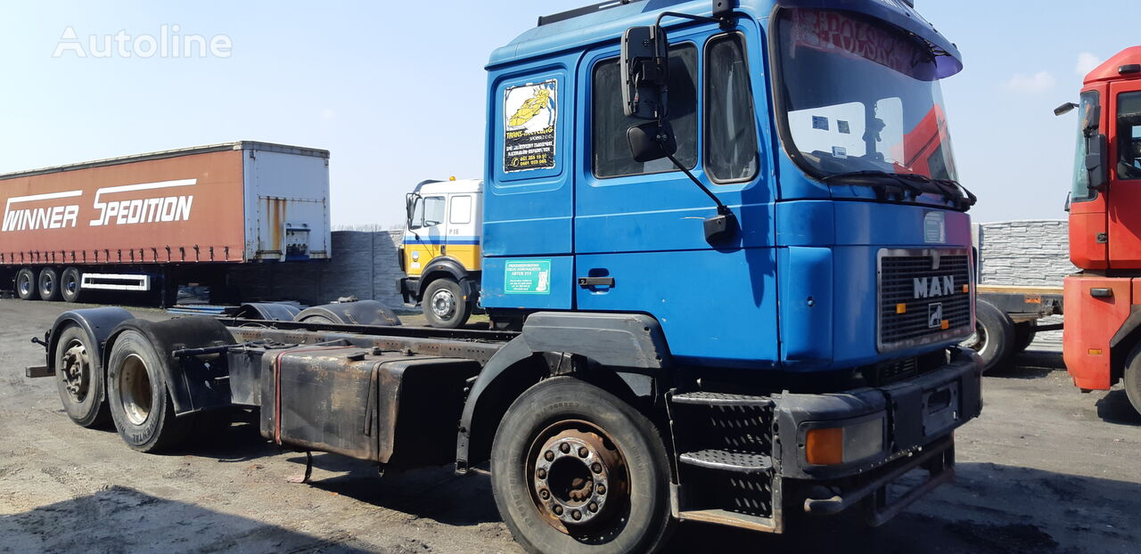 MAN F2000 26.403 / 6x2 chassis truck