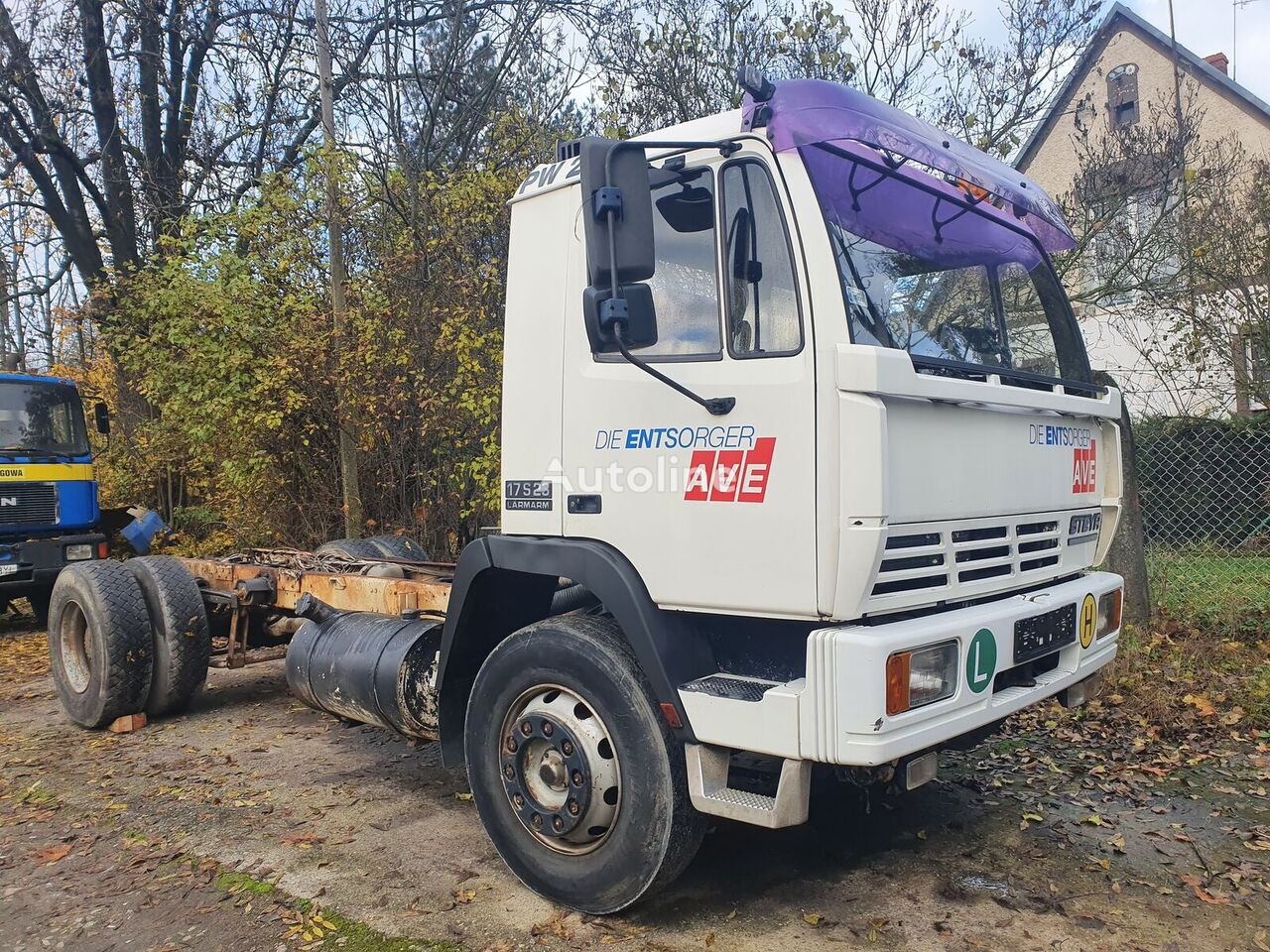 STEYR 17S23 TOOP HASSI chassis truck