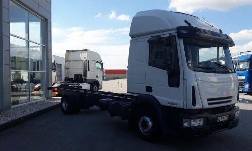 IVECO 120 E 24 Eurocargo chassis truck