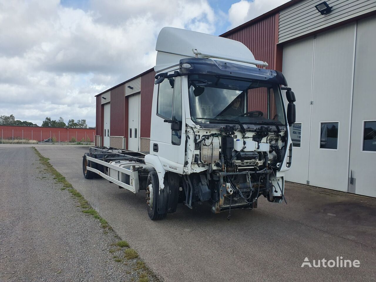 IVECO 12E250 chassis truck