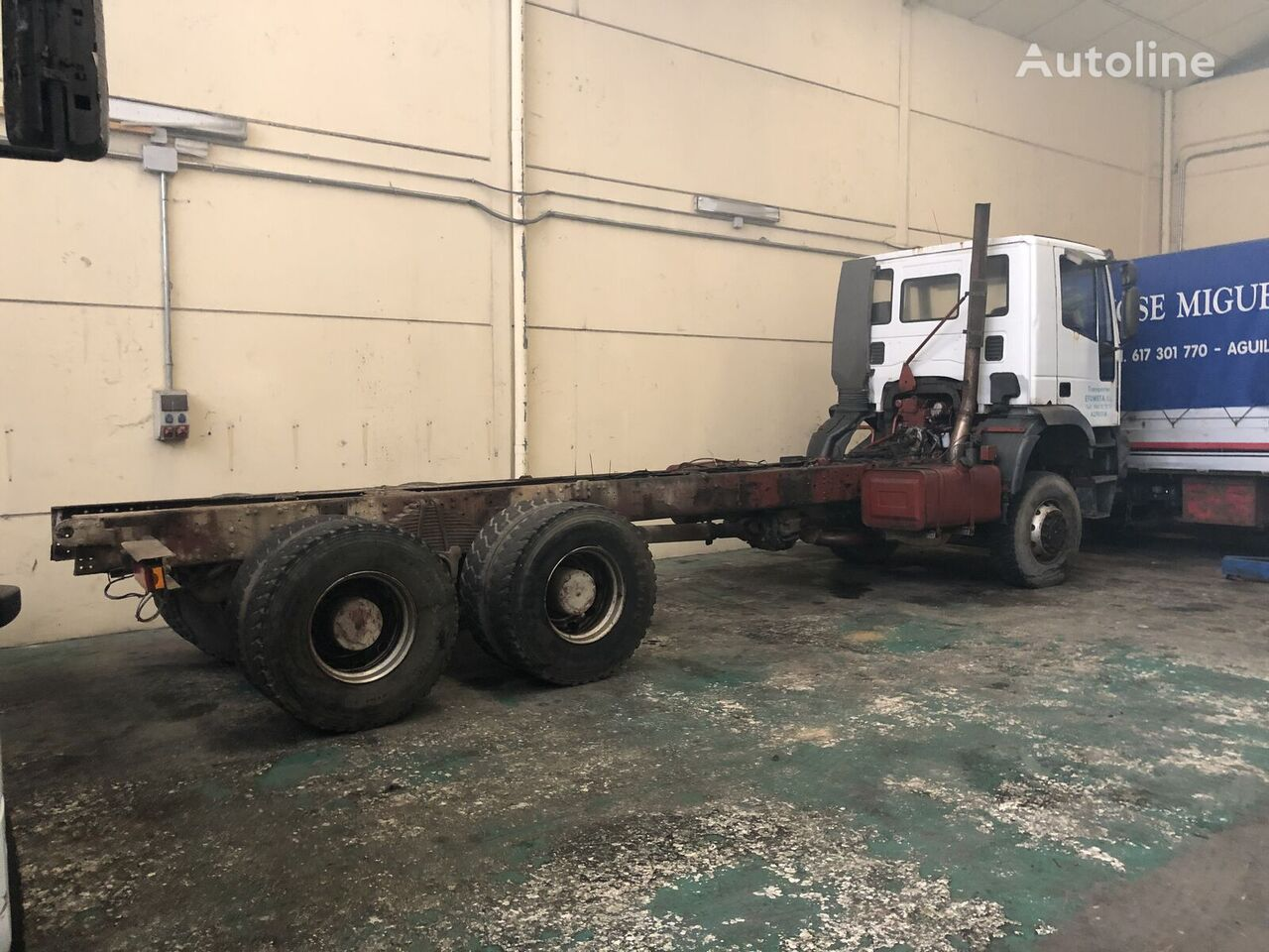 IVECO 380E42 chassis truck