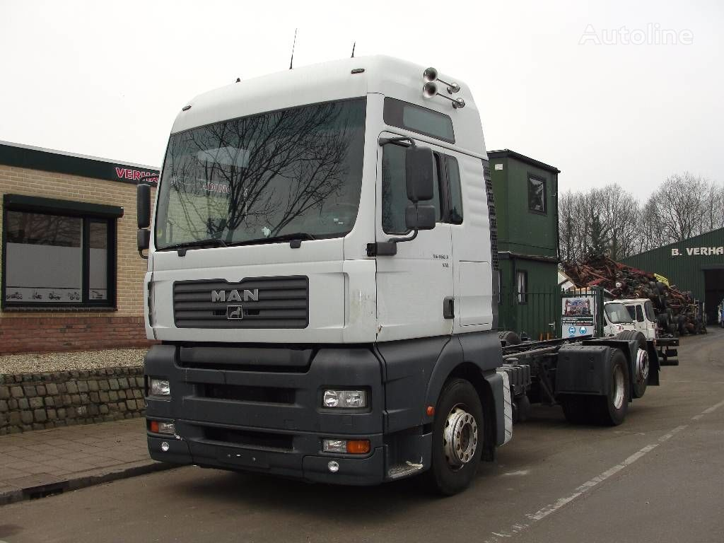 MAN 26.460 chassis truck
