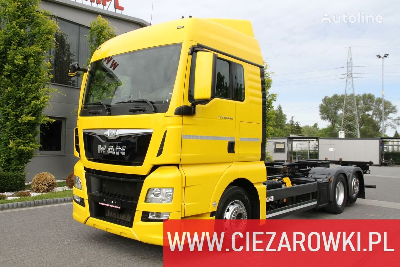MAN TGX 26.440 E6 6x2 - RETARDER - LIFT AXLE - BDF CHASSIS - 2 BEDS  chassis truck