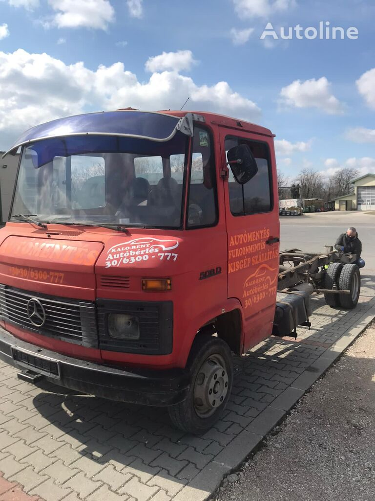 MERCEDES-BENZ 508 D chassis truck