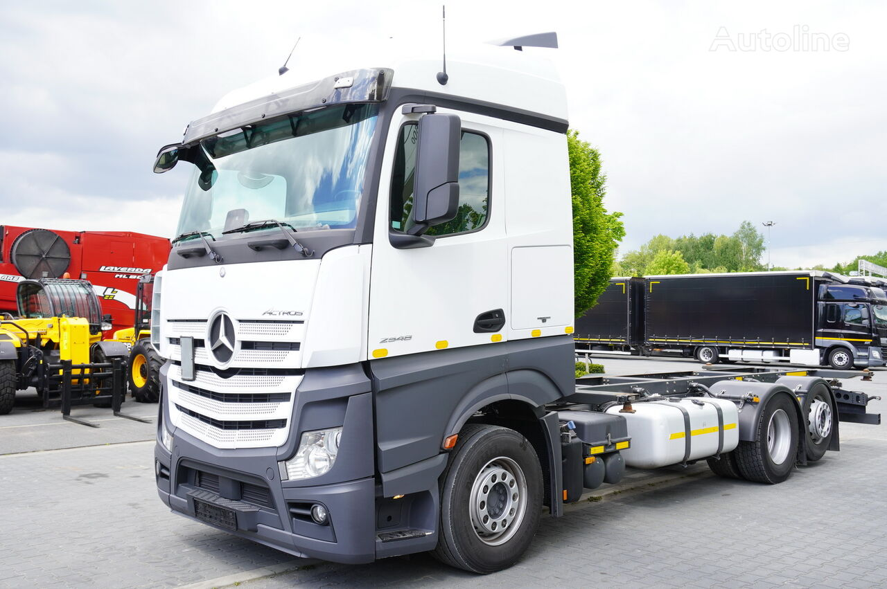 MERCEDES-BENZ Actros 2548 chassis truck