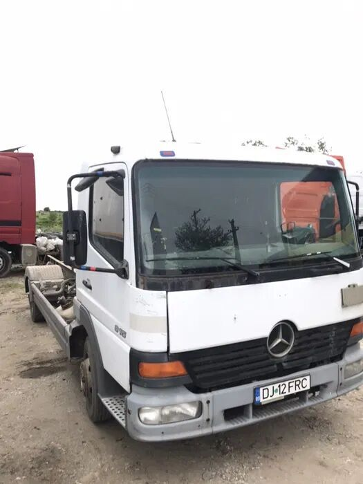 MERCEDES-BENZ Atego chassis truck